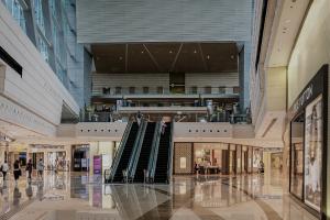 Grandes surfaces, centres commerciaux, commerces, salles de sport, copropriétés